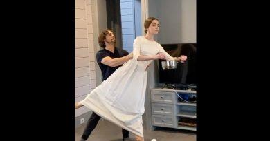 Актьори от Михайловския театър показаха балет по време на самоизолация
