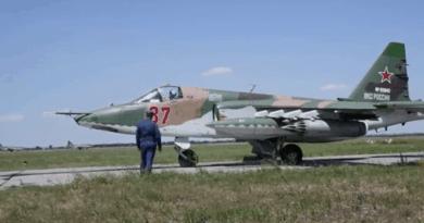 """Тренировка на пилотите на Су-25 """"Грач"""" преди Парада на Победата"""