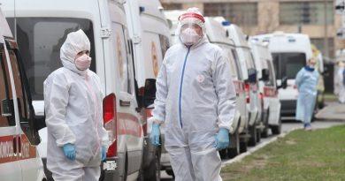 Стажът на медиците, които работят с коронавирус в Русия, ще се умножава по три