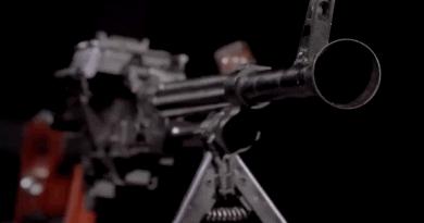 """Неизвестен прототип на картечница """"Калашников"""" беше показан за първи път"""
