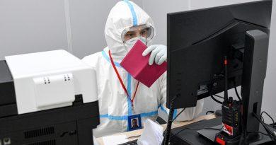 """Всичко, което трябва да знаете за COVID-19 """"паспортите"""" в Русия"""