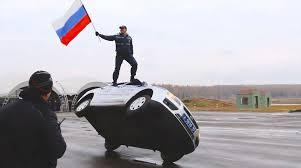 Как тренират за работа руските пътни полицаи
