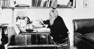 Преди 120 години църквата обявява отлъчването на Лев Толстой