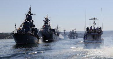 Ракетните кораби на Каспийската флотилия излязоха на морe за стрелба със 100-мм снаряди