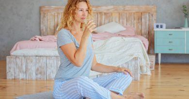 Бременните и кърмещите жени трябва да пият до 4 чаши вода повече от дневната норма