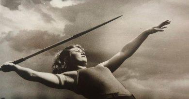 30 емблематични снимки от една от легендите на съветската фотография