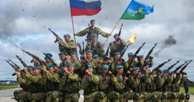 Руските десантчици започнаха мащабни учения в Крим