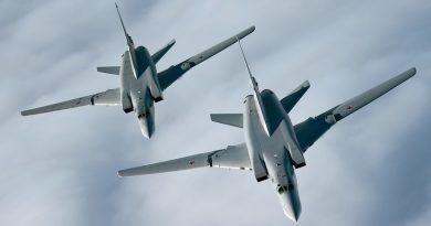 Двойка ракетоносци Ту-22М3 прелетяха над Черно море